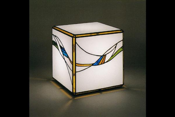 アアガタモザイク ステンドグラスの手法を用いた照明器具